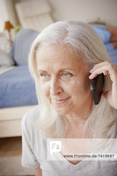 Senior  Senioren  Frau  sprechen