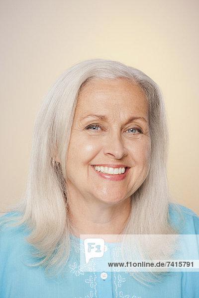 Senior  Senioren  Portrait  Frau  Fröhlichkeit  lächeln