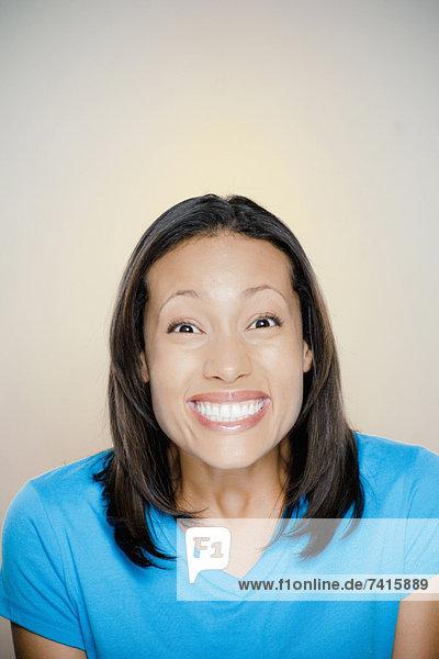 Portrait  Frau  lächeln  Produktion