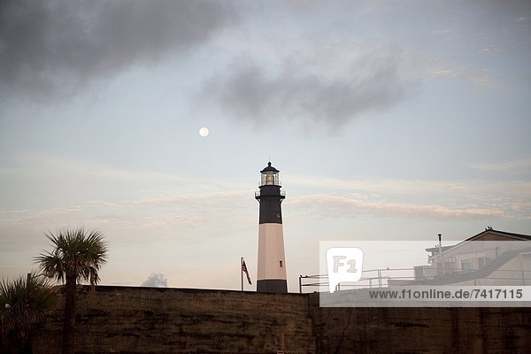 nahe  über  Leuchtturm  Insel  Mond  Tybee Island  Georgia  voll  Savannah