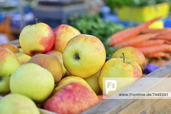 Äpfel auf einem Markt