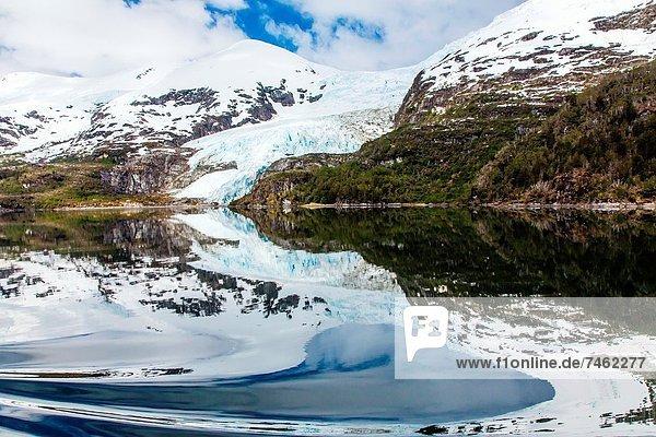 Wasser  Tag  Schriftsteller  Ruhe  Wissenschaft  über  Personalwesen  Reise  Spiegelung  Road Trip  Schiff  Entdeckung  1  Information  Chile  Patagonien  Reflections  Meerenge