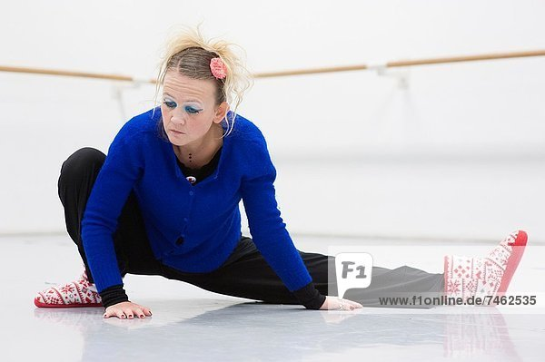 Fachleute , tanzen , strecken , Tänzer , beschäftigt , gerade , üben , Niederlande , modern , modern dance , Tilburg