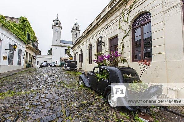 Kopfsteinpflaster  Auto  drehen  Straße  alt  Südamerika  Uruguay