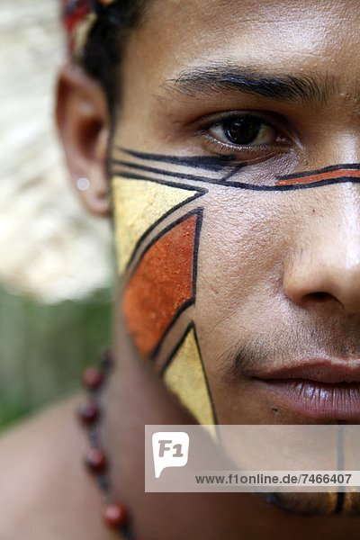 nahe  Portrait  Mann  Indianer  Bahia  Brasilien  Porto  Südamerika
