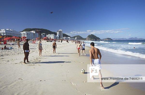Copacabana Strand  Rio De Janeiro  Brasilien  Südamerika