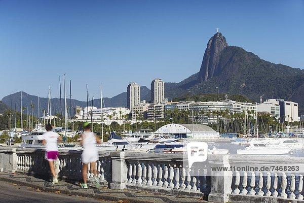 Mensch  Menschen  Hintergrund  Statue  joggen  Christ  Brasilien  Rio de Janeiro  Südamerika
