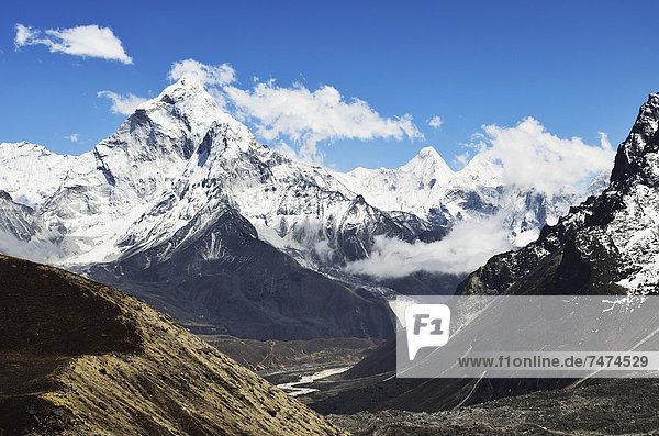 Mount Everest  Sagarmatha  Nepal