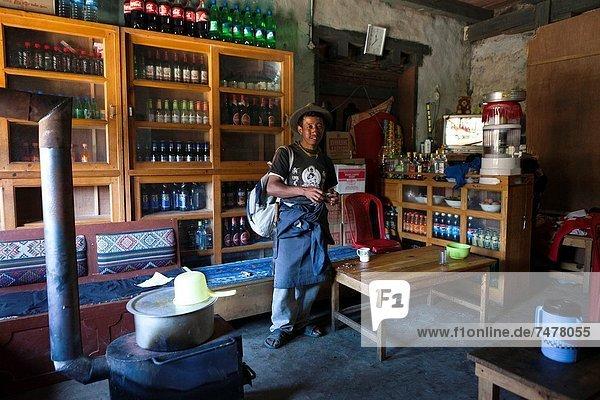Mann  Laden  Asien  Bhutan