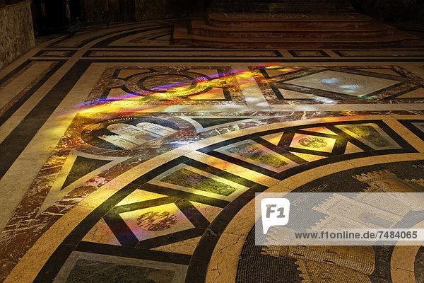 Kathedrale St. Jean  Fußboden im Ostchor  Besancon  Via Francigena  Frankenstraße  Departement Doubs  Region Franche-ComtÚ  Frankreich  Europa