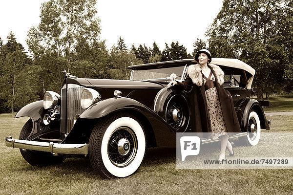 Europäer  Frau  Auto  Retro