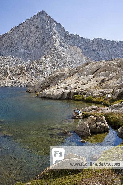 Vereinigte Staaten von Amerika  USA  sitzend  Ecke  Ecken  See  wandern  Sequoia Nationalpark  Kalifornien