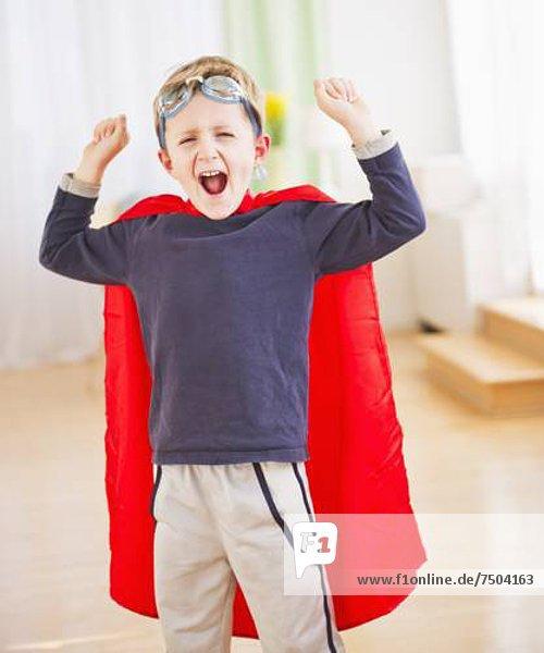 Portrait  Junge - Person  Superheld  Kleidung  5-9 Jahre  5 bis 9 Jahre  Kostüm - Faschingskostüm
