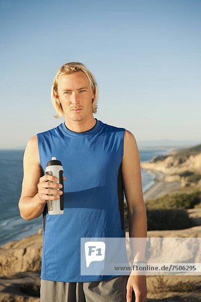 Vereinigte Staaten von Amerika  USA  Wasser  Portrait  halten  Jogger  Flasche  Kalifornien  San Diego