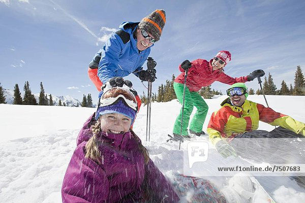 USA  Colorado  Telluride  Three-generation family with girl (10-11) during ski holiday