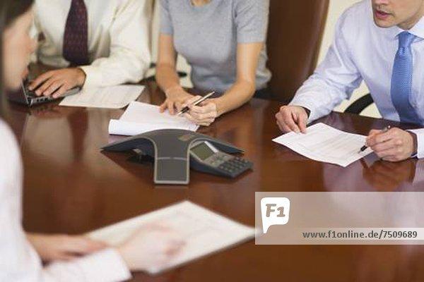 Mensch  Menschen  Menschliche Hand  Menschliche Hände  Geschäftsbesprechung  Besuch  Treffen  trifft  Business