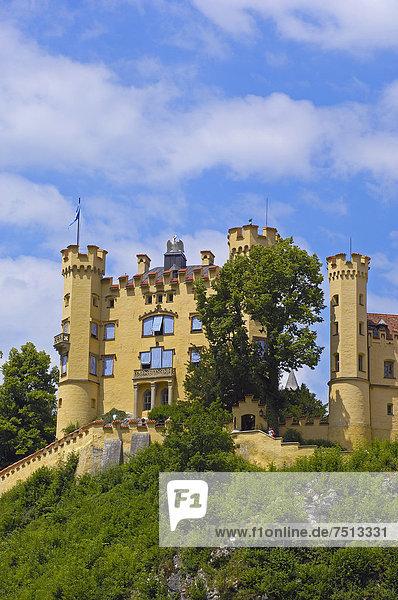 Schloss Hohenschwangau  Füssen  Allgäu  Romantische Straße  Bayern  Deutschland  Europa