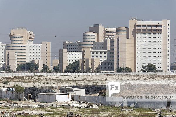 Brachliegendes Bauland und fertige Gebäude  Stadtentwicklungsgebiet Nakheel Harbour & Tower  Dubai  Vereinigte Arabische Emirate  Naher Osten  Asien