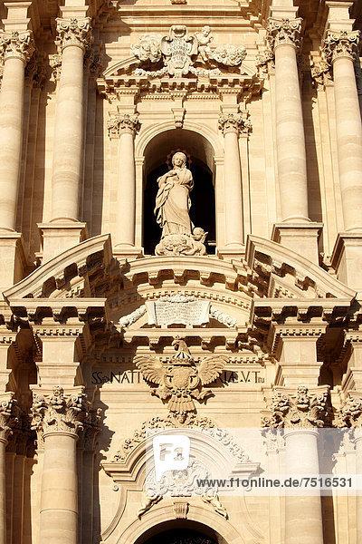 Barock-Fassade des Doms von Syrakus  Kathedrale  Syrakus  Siracusa  Sizilien  Italien  Europa