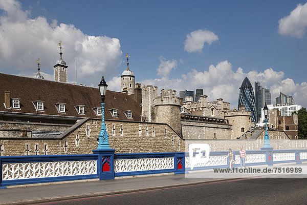 Tower of London in front of the Swiss Re Tower  The Gherkin  London  England  United Kingdom  Europe