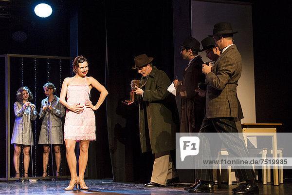 Das Musical Chicago mit Annette Krossa als Roxie Hart live im Le ThȂtre in Kriens  Luzern  Schweiz  Europa