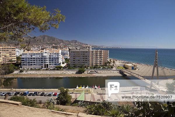 Ausblick von der Burg Castillo de Sohail auf den Ort  Fuengirola  Costa del Sol  Andalusien  Spanien  Europa  ÖffentlicherGrund