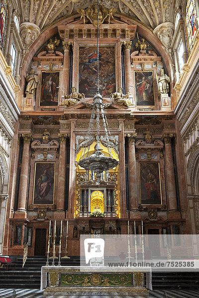 Hochaltar der christlichen Kirche  Kathedrale  ehemalige Moschee Mezquita  Cordoba  Andalusien  Spanien  Europa