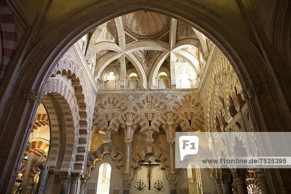 Innenraum der Kathedrale  ehemalige Moschee Mezquita  Cordoba  Andalusien  Spanien  Europa
