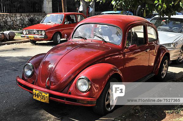 Havanna  Hauptstadt  Einkaufszentrum  Amerika  Auto  Großstadt  Mittelamerika  Klassisches Konzert  Klassik  Kuba  Große Antillen  VW Käfer
