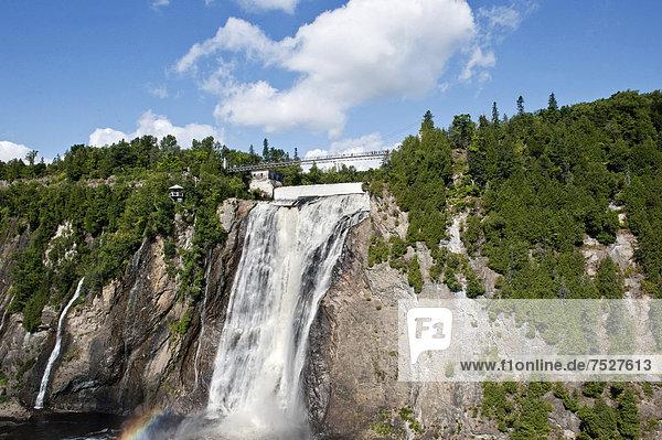 Wasserfall  Parc de la Chute Montmorency  Montmorency Falls  Provinz QuÈbec  Kanada  Nordamerika