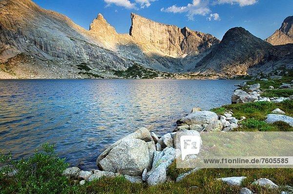 Berg  Felsen  Wind  See  Landschaftlich schön  landschaftlich reizvoll  Fluss  tief  Wyoming