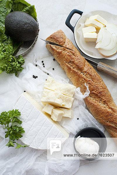 Brot  Käse  Knoblauch und Butter