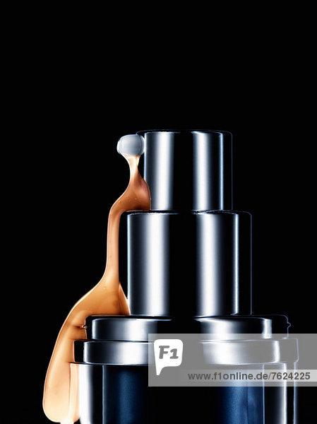 Make-up aus der Flasche verschüttet