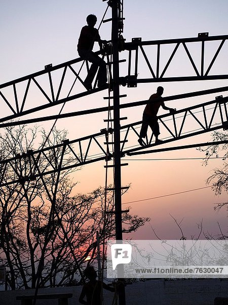 Mann  Sonnenuntergang  Silhouette  arbeiten  Indien  Metall  Mysore
