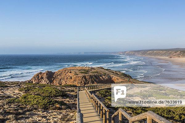 Steg zum Aussichtspunkt  Praia do Bordeira  Carrapateira  Algarve  Westküste  Portugal  Atlantik  Europa