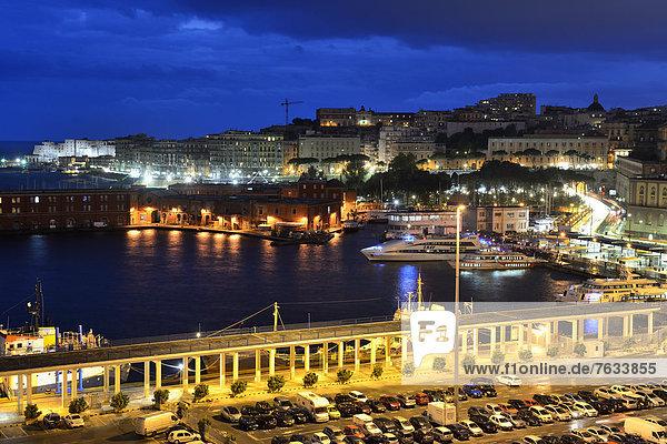 Hafen von Neapel  Kampanien  Süditalien  Italien  Europa