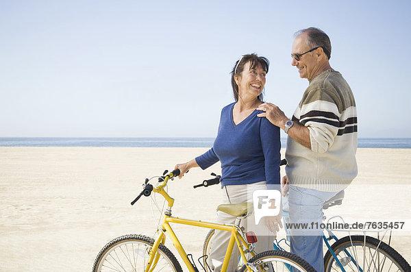 stehend  Strand  Fahrrad  Rad