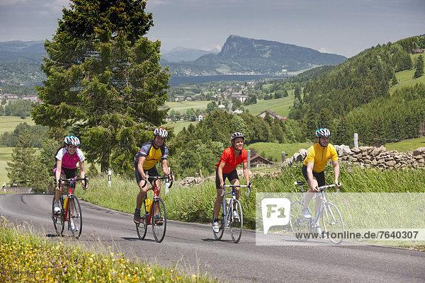 Frau Mann Fahrrad Rad Urlaub Rennrad Tourismus Fahrrad fahren