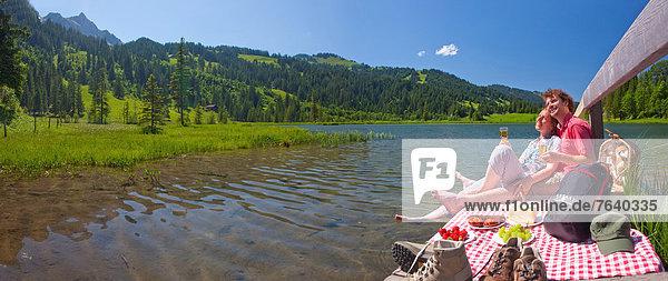Panorama, Frau, Mann, gehen, Picknick, Weg, See, Touristin, wandern, Wanderweg, Bergsee, trekking
