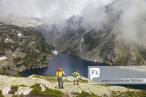 Europa  Frau  Berg  Mann  See  wandern  Schweiz