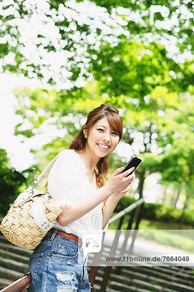 Frau  Prüfung  Smartphone