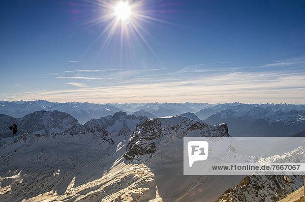 Blick von Zugspitze nach Süden  Garmisch-Partenkirchen  Grainau  Oberbayern  Bayern  Deutschland  Europa
