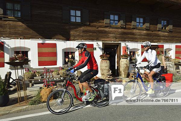 Bauernhaus Fahrradfahrer frontal Dekoration Laden Fahrrad Rad alt