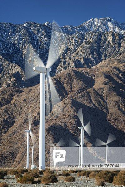 Windturbine Windrad Windräder Wüste