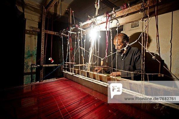 arbeiten  Produktion  Stadt  Wahrzeichen  Asien  Madhya Pradesh  Sari  Weber