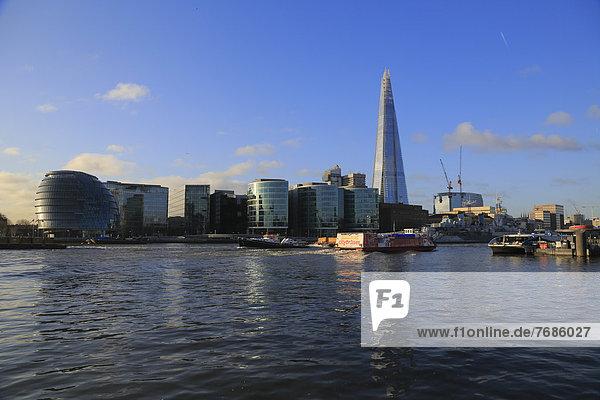 Southwark mit City Hall und The Shard  zweithöchstes Gebäude Europas  310 Meter  River Thames  Themse  gesehen vom Tower of London