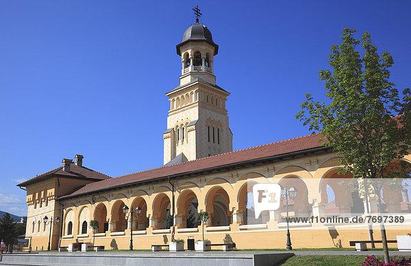 Torturm der Krönungskathedrale der rumänisch-orthodoxen Kirche