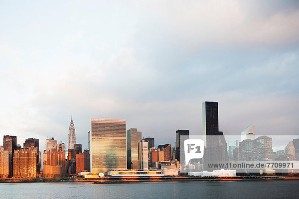 New York City Skyline und Wasserfront