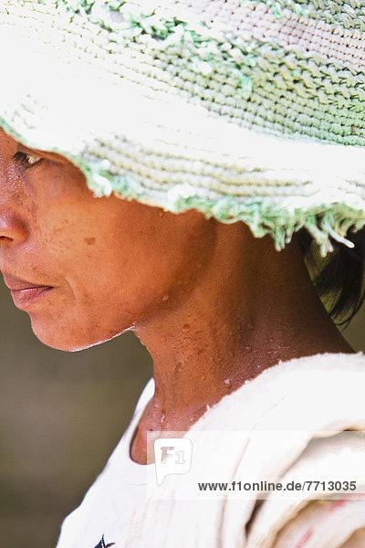 Profil  Profile  Frau  Menschlicher Schweiß  Indonesien