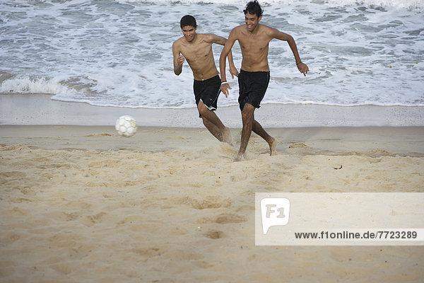 Mann  Spiel  Strand  Brasilien  Football